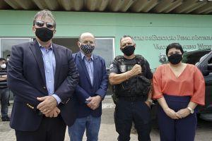 Desembargadores Paulo Régis e Antonio Parente, secretário Mauro e a coordenadora Cristiane