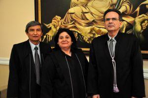 Os novos dirigentes eleitos: desembargador Plauto Carneiro Porto, desembargadora Regina Gláucia Cavalcante e o desembargador Emmanuel Furtado