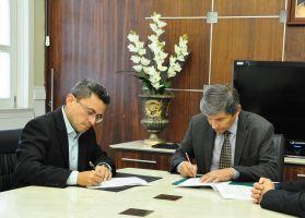 A assinatura do acordo ocorreu na Presidência do TRT/CE