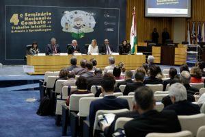 Presidente do TST e do CSJT, ministro Brito Pereira, fez a abertura dos dois eventos