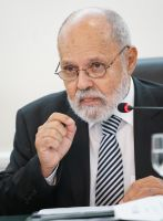 O vice-presidente do TST, ministro Renato Paiva, veio de Brasília especialmente para a celebração do acordo