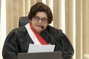 A desembargadora Regina Gláucia Cavalcante saudou o novo desembargador do TRT/CE
