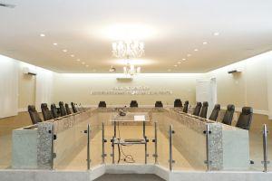 A Sala de Sessões do Pleno do TRT/CE está localizada em edificação construída na década de 1940