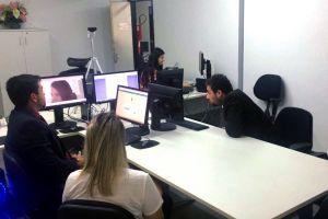 As partes e advogados estavam na Vara do Trabalho de Quixadá acompanhando a juíza por videoconferência